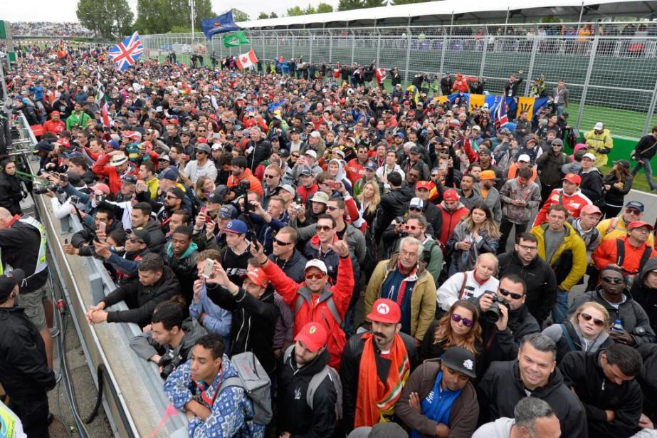 Les amateurs de course étaient encore nombreux cette... (PHOTO BERNARD BRAULT, LA PRESSE)