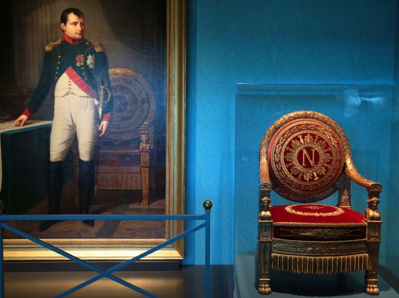 Le trône de Napoléon pour la première fois accompagné par le tableau lors d'une exposition. (Simon Bigras, collaboration spéciale)