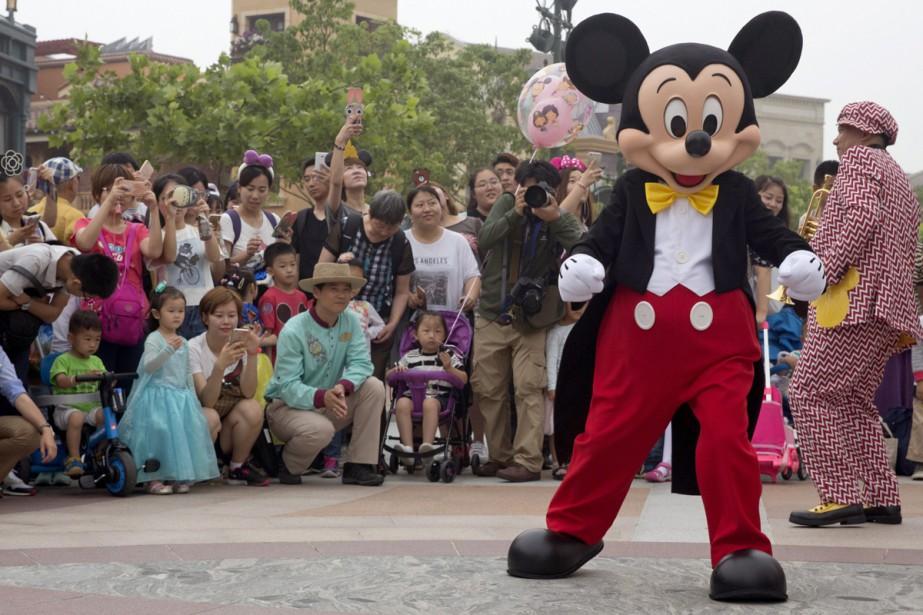 Mickey était bien sûr de la partie.... (PHOTO AP)
