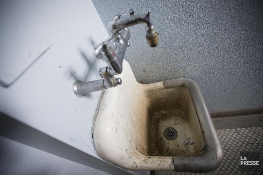 La plupart des écoles sont vieilles et sales... (Photo Ivanoh Demers, La Presse)