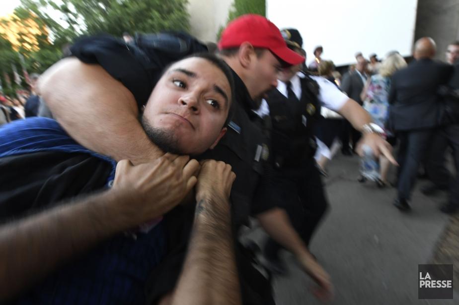 Le présumé agresseur, Esteban Torres,est un jeune militant... (PHOTO BERNARD BRAULT, LA PRESSE)
