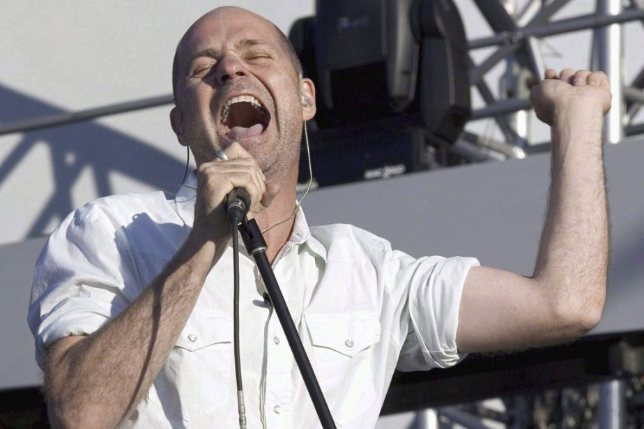 Gord Downie, chanteur du groupe Tragically Hip, et... (PHOTO ARCHIVES LA PRESSE CANADIENNE)