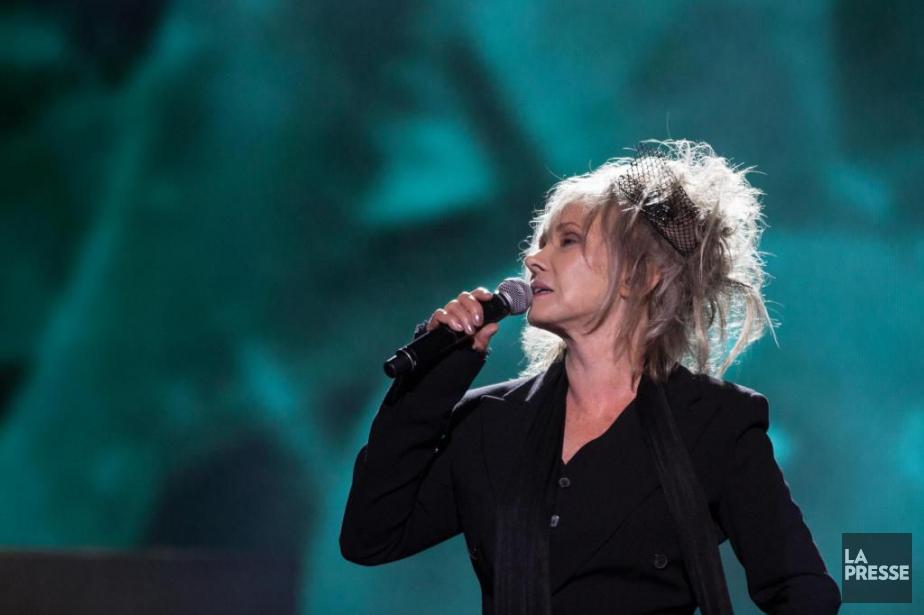 Diane Dufresne lors du spectacle en hommage à... (PHOTO MATHIEU WADDELL, ARCHIVES LA PRESSE)