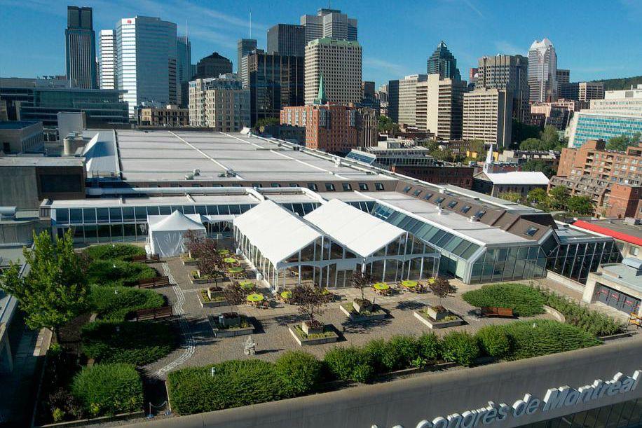 Les toits du Palais des congrès de Montréal... (PHOTO FOURNIE PAR LE GROUPE CNW/PALAIS DES CONGRÈS)