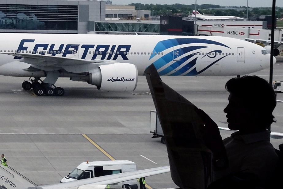 L'examen des deux boîtes noires de l'Airbus... (Photo archives Reuters)