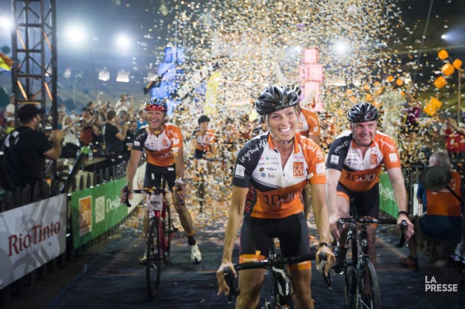 En tout, 213 équipes de cinq cyclistes chacune... (La Presse, Olivier Pontbriand)