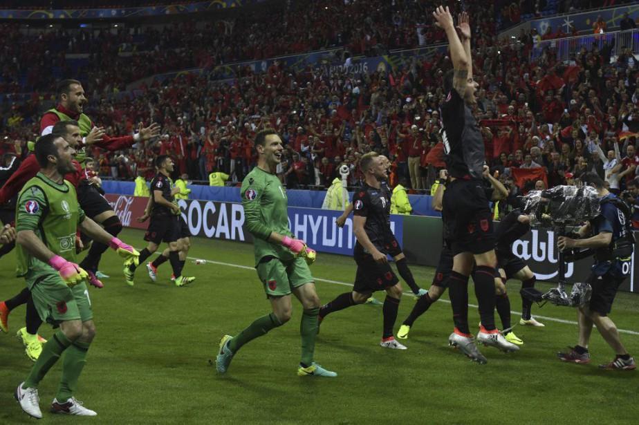 L'Albanie a remporté une victoire historique contre la... (PHOTO PHILIPPE DESMAZES, AFP)