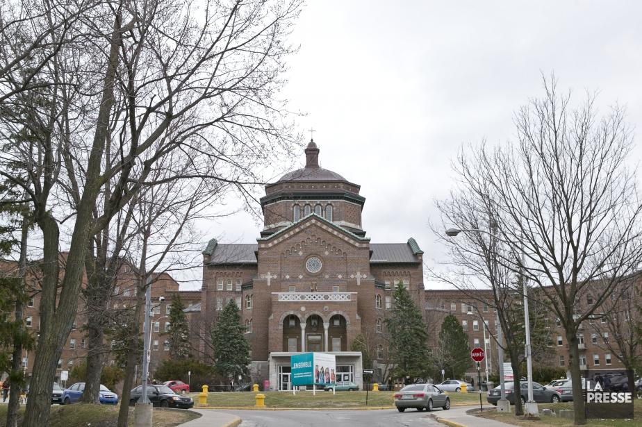 L'Hôpital Sacré-Coeur.... (PHOTO HUGO-SÉBASTIEN AUBERT, ARCHIVES LA PRESSE)