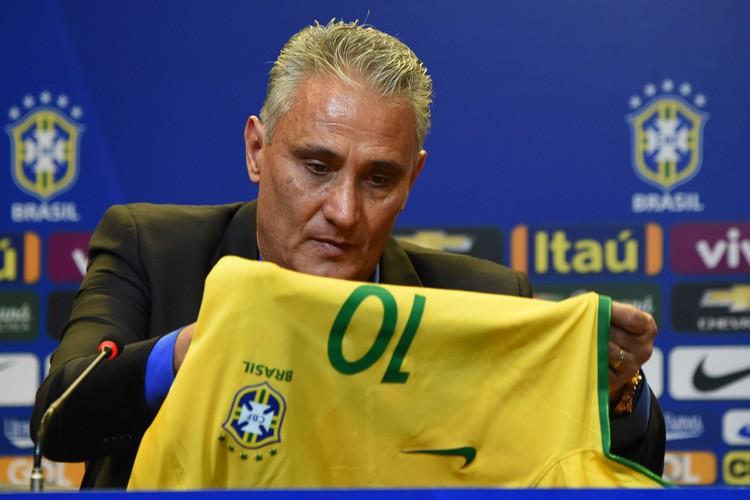Adenor Leonardo Bacchi, dit Tite, succède à Dunga,... (PHOTO AFP)