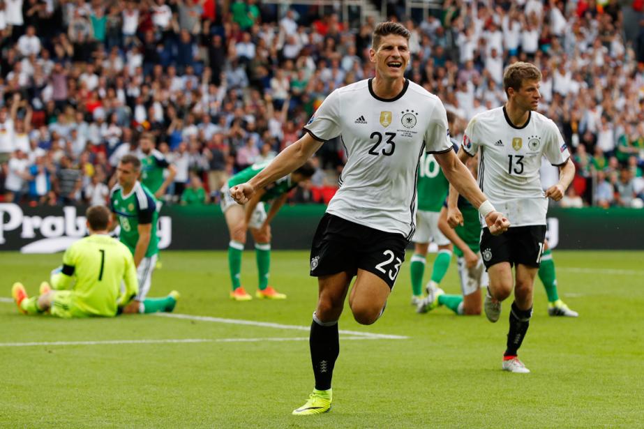 Mario Gomez (23) a inscrit le but de... (Photo John Sibley, Reuters)