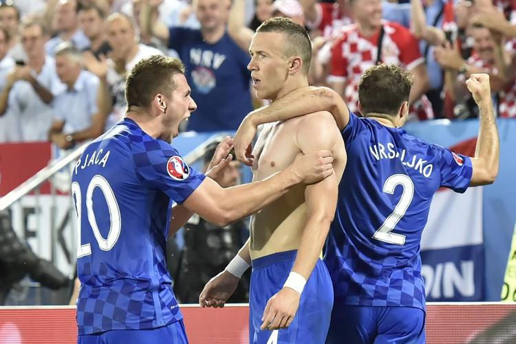 Ivan Perisic (au milieu) a inscrit le but... (PHOTO AFP)