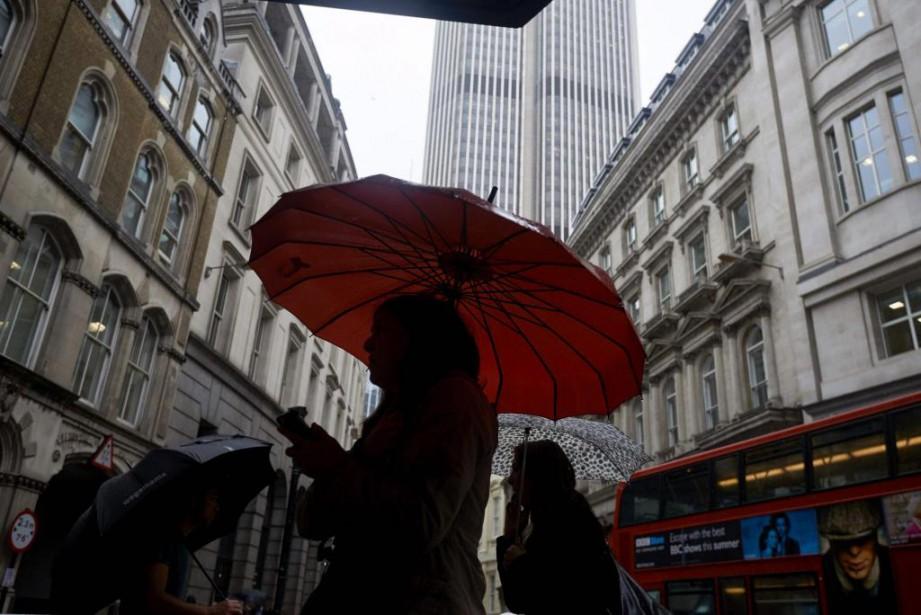 De nombreux étrangers établis en Grande-Bretagne se questionnent... (PHOTO NIKLAS HALLE'N, AGENCE FRANCE-PRESSE)