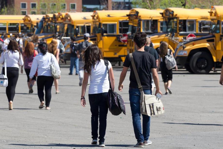 Les filles qui vont à l'école tout en... (Photo Olivier Jean, archives La Presse)