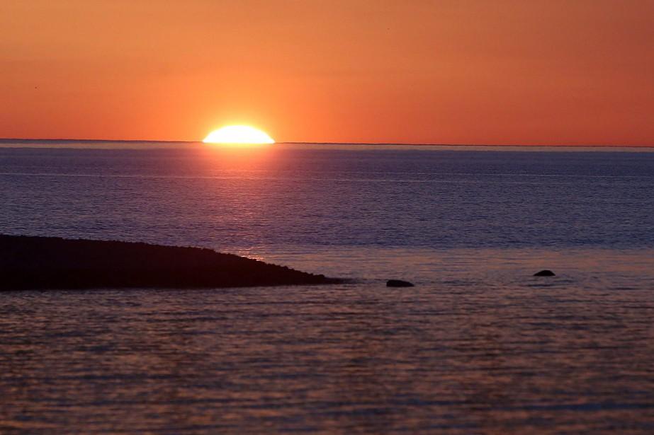 Un coucher de soleil sur le lac Michigan.... (PHOTO Carlos Osorio, archives PC)