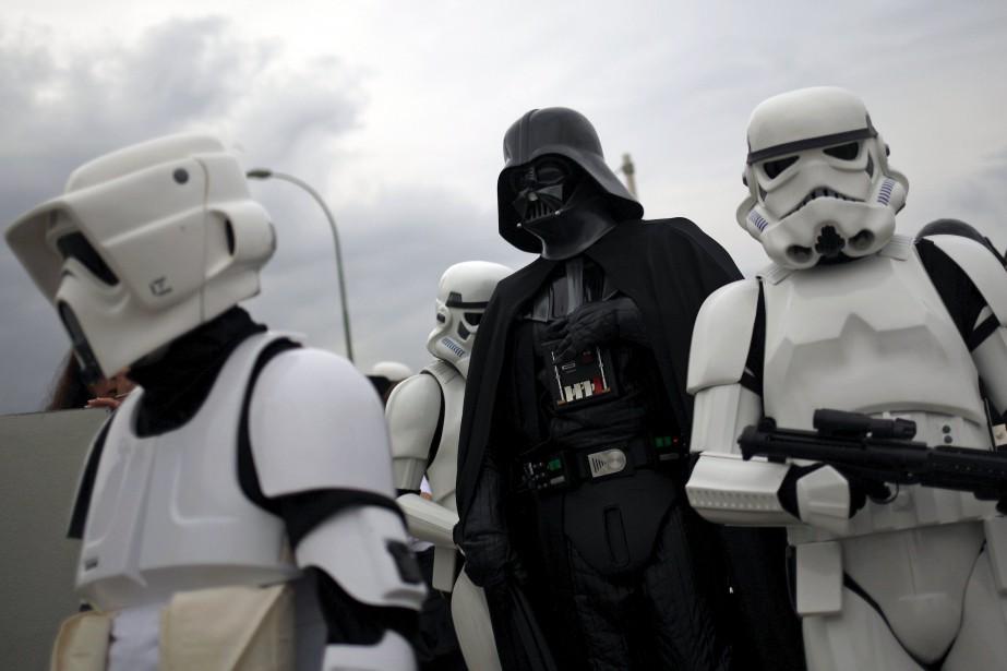 La rumeur courait sur une réapparition de Darth... (PHOTO ARCHIVES REUTERS)