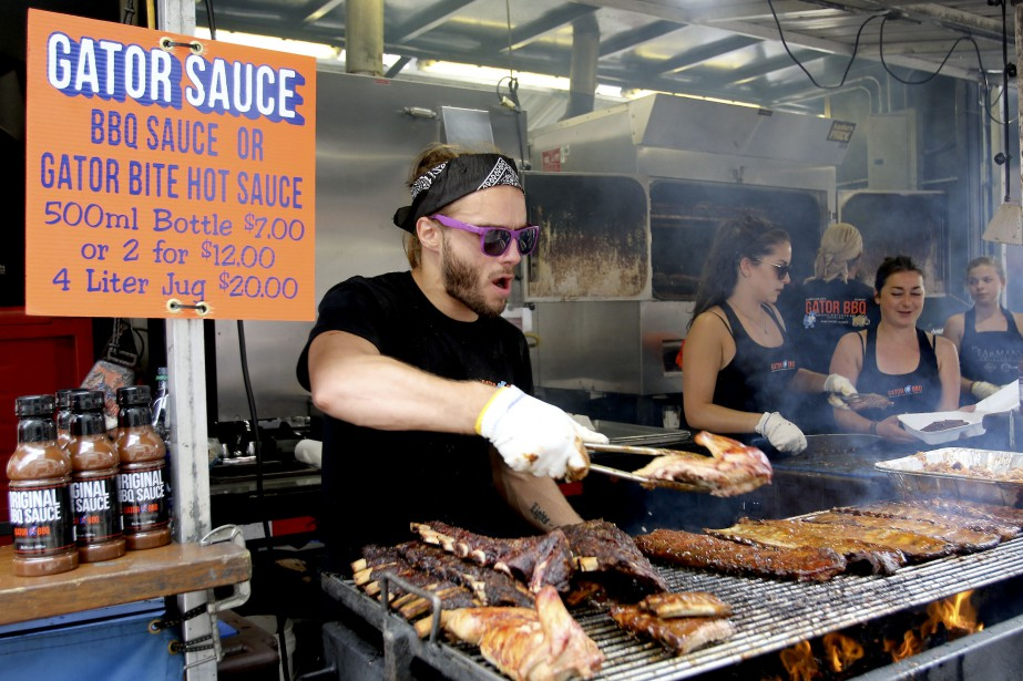 Les kiosques alimentaires sont ouverts de 11h à 22h, alors que le festival se termine dimanche à 18h. (PATRICK WOODBURY, LeDroit)
