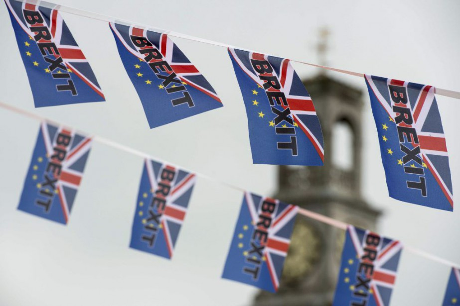 Le Parlement britanniquese doit d'examiner une pétition à... (PHOTO CHRIS J RATCLIFFE, ARCHIVES AFP)