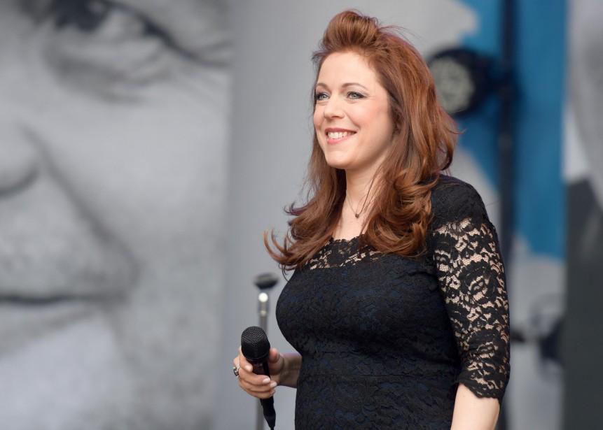 La chanteuse Isabelle Boulay était en spectacle sur la scène des Voix multiples samedi. (Andréanne Lemire)