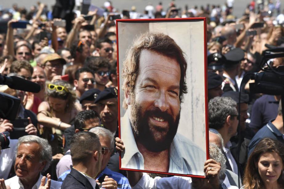 Les funérailles de l'acteur Bud Spencer se sont déroulées jeudi... (PHOTO AFP)