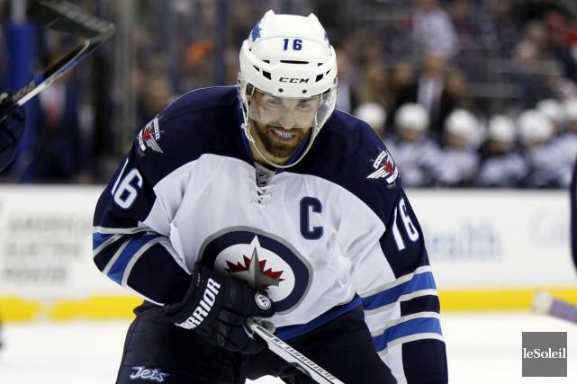 Andrew Ladd obtient également un contrat de sept ans, dans son cas évalué à 5,5 millions $ par année avec les Islanders de New York. (Archives, La Presse Canadienne)