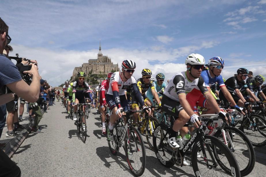 Les coureurs au début de l'épreuve. (AFP, Kenzo Tribouillard)