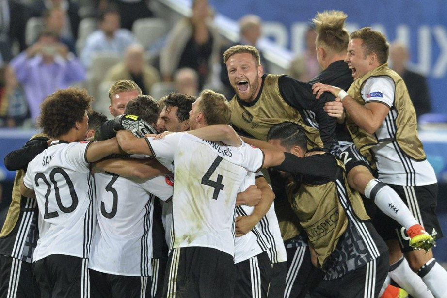 La Mannschaft est venue à bout des Azzurri... (PHOTO NICOLAS TUCAT, AFP)