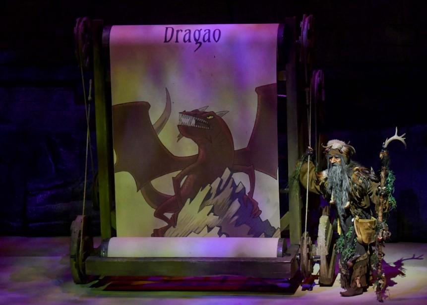 La première du spectacle Dragao était présentée mardi soir à la Cité de l'énergie de Shawinigan. (Andréanne Lemire)
