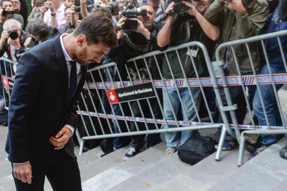 Lionel Messi à son arrivée au tribunal à... (Photo Josep Lago, AFP)