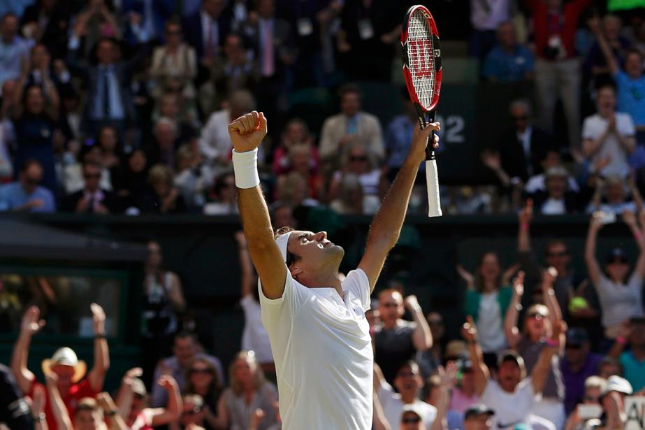 Roger Federer s'en est sorti de justesse face... (Photo Paul Childs, Reuters)
