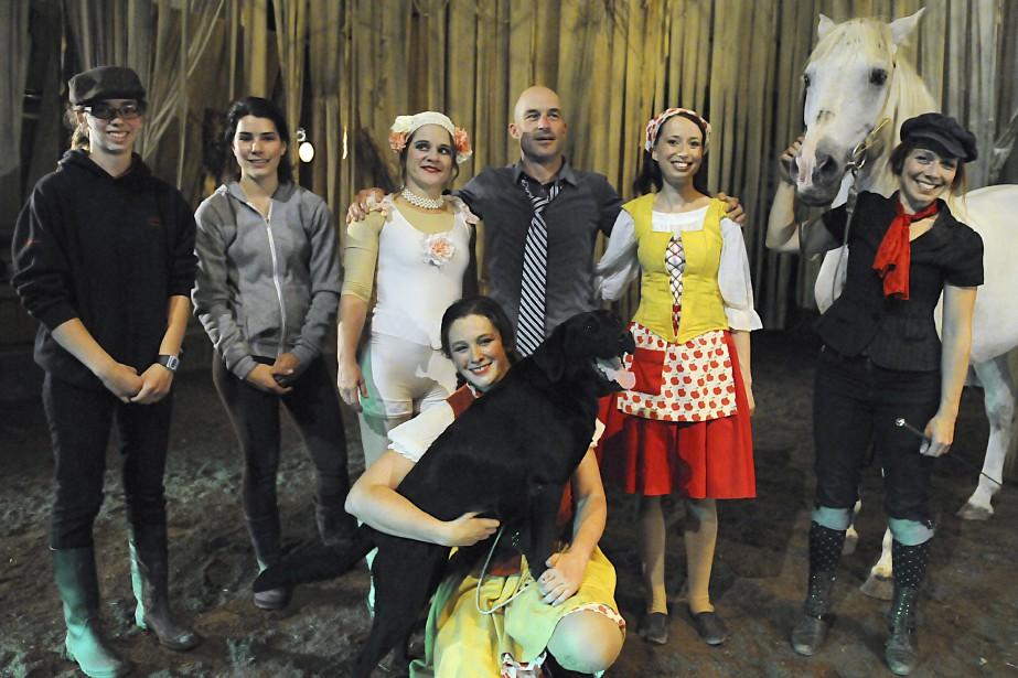 Toute l'équipe du spectacle Les Filles de la Forêt attend le public cet été au Site de la Nouvelle-France de Saint-Félix-d'Otis. (Photo Le Quotidien, Mariane L. St-Gelais)