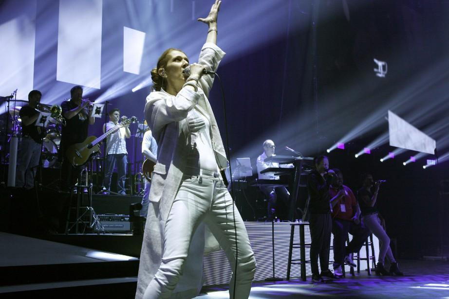 Céline Dion en spectacle à Paris, le 24... (Photo Catherine Gugelmann, AFP)