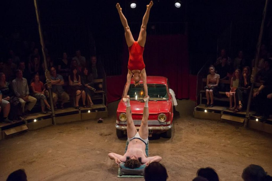 Victor Cathala et Kati Pikkarainen, du Cirque Aïtal,... (PHOTO ALEXANDRE GALLIEZ, FOURNIE PAR MONTRÉAL COMPLÈTEMENT CIRQUE)