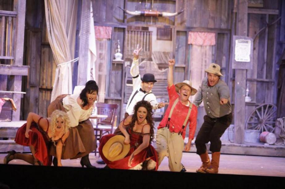La pièce Les hors-la-loiréunit sur la scène du... (Photo Marc Dussault, fournie par le Théâtre des Hirondelles)