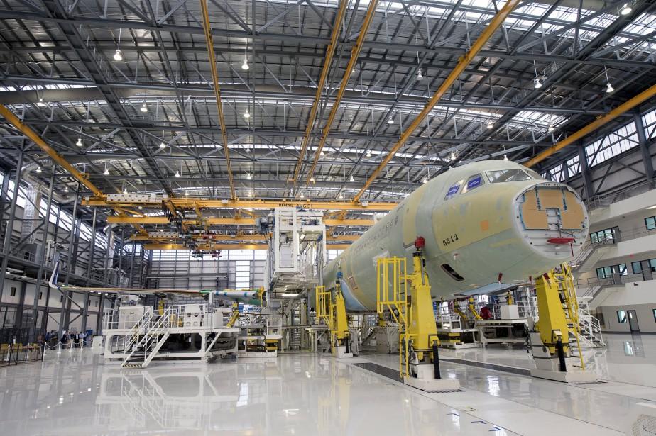 L'assemblage d'un Airbus A321.... (PHOTO ARCHIVES REUTERS)