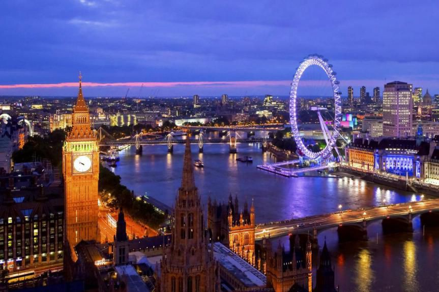Londres à la brunante:à gauche, Big Ben, l'horloge... (PHOTO FOURNIE PAR VISIT LONDON)