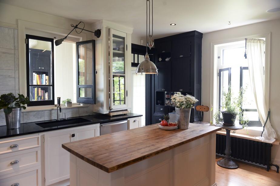 La cuisine est vaste, moderne et fonctionnelle. (Le Soleil, Patrice Laroche)