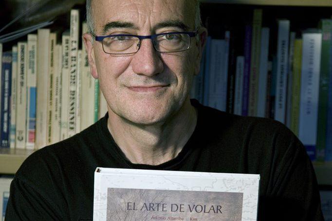 Antonio Altarriba, auteur de la BD L'art de... (PHOTO AFP)