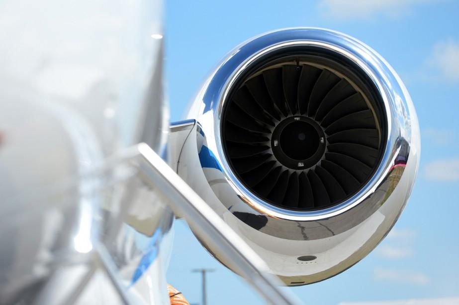 Un moteur Bombardier Global5000 exposé à Farnborough, le... (PHOTO CARL COURT, AFP)
