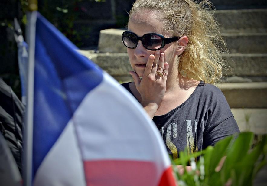 L'émotion était palpable en ces heures sombres. La France a été frappée par trois attentats meurtriers en à peine 19 mois. (Le Soleil, Pascal Ratthé)