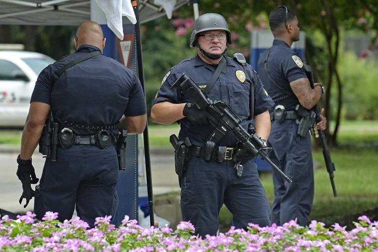 Baton Rouge a été marquée par de fortes... (PHOTO AP)