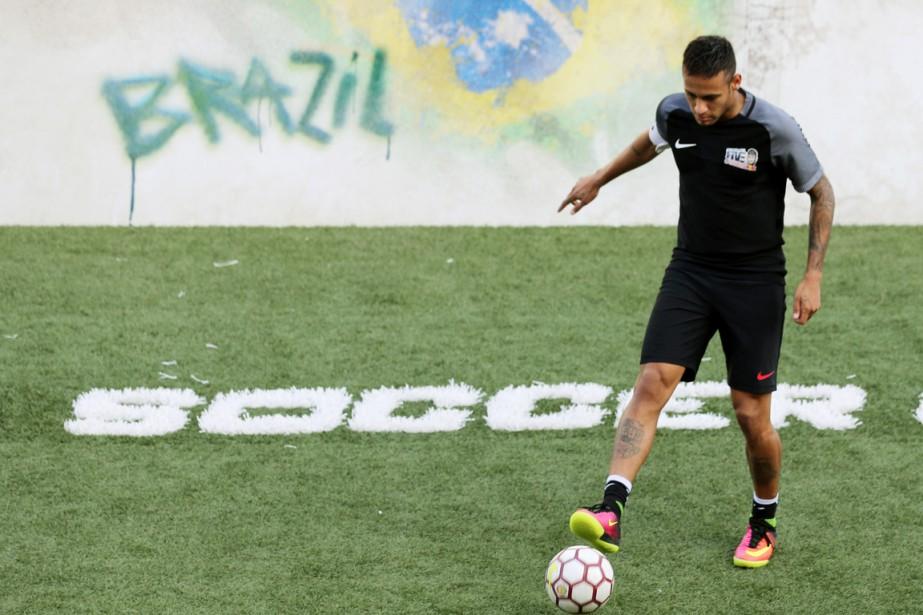 Neymar, Ballon de Bronze en 2015, avait disputé... (photo Paulo Whitaker, archives REUTERS)