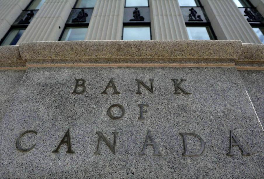 En mai, les investisseurs étrangers ont acheté pour... (photo sean kilpatrick, archives la presse canadienne)
