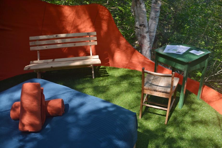 Des hébergements insolites et inhabituels, c'est que vous offre Canopée-Lit, une entreprise située à Sacré-Coeur au Saguenay. Les bulles de chez Canopée-Lit sont une innovation fabuleuse. Vue de la forêt sur presque 360 degrés, celles-ci vous permettent de profiter d'une nuit à la belle étoile dans le confort d'une pièce aménagée comme chez vous. (Crédit photo: www.canopee-lit.com)