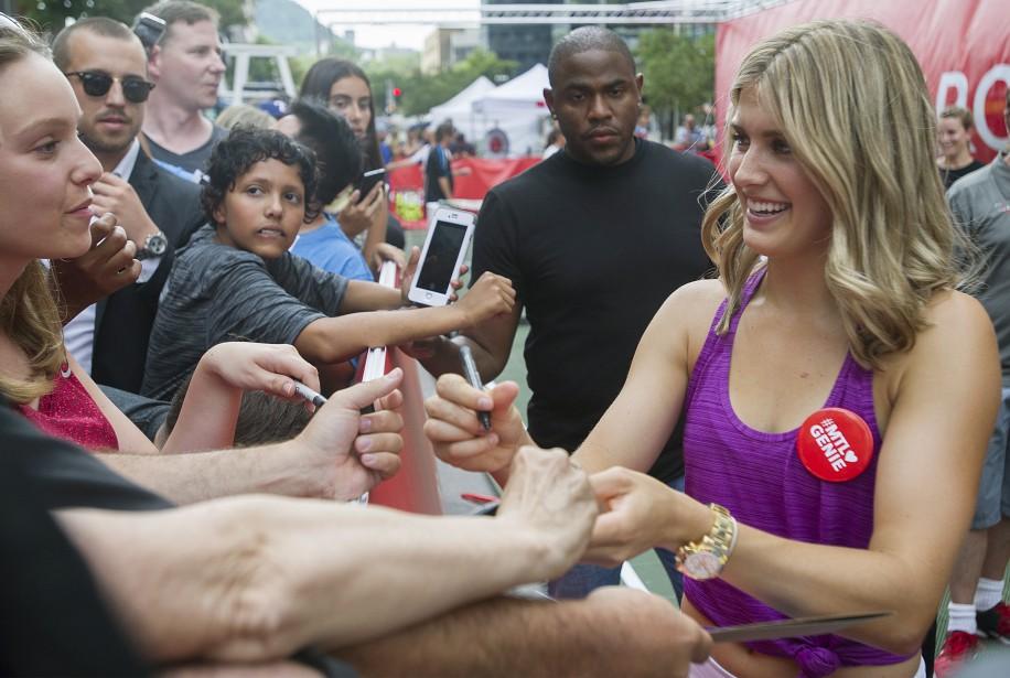 Eugenie Bouchard a pris le temps de rencontrer... (Photo Graham Hughes, La Presse Canadienne)
