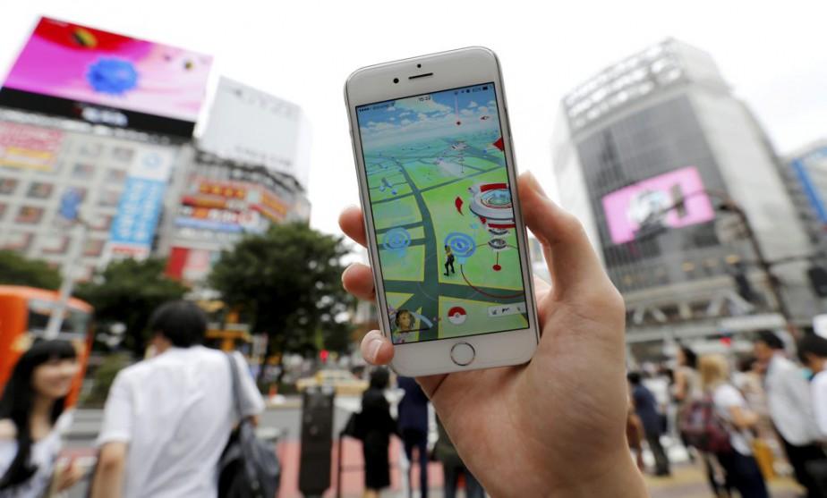 Dans les rues de Tokyo, des amateurs ou... (PHOTO TORU HANAI, REUTERS)