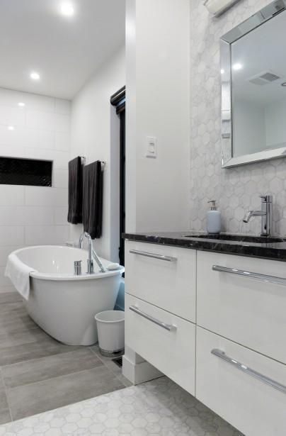 La salle de bain attenant à la chambre principale. (Le Soleil, Jean-Marie Villeneuve)