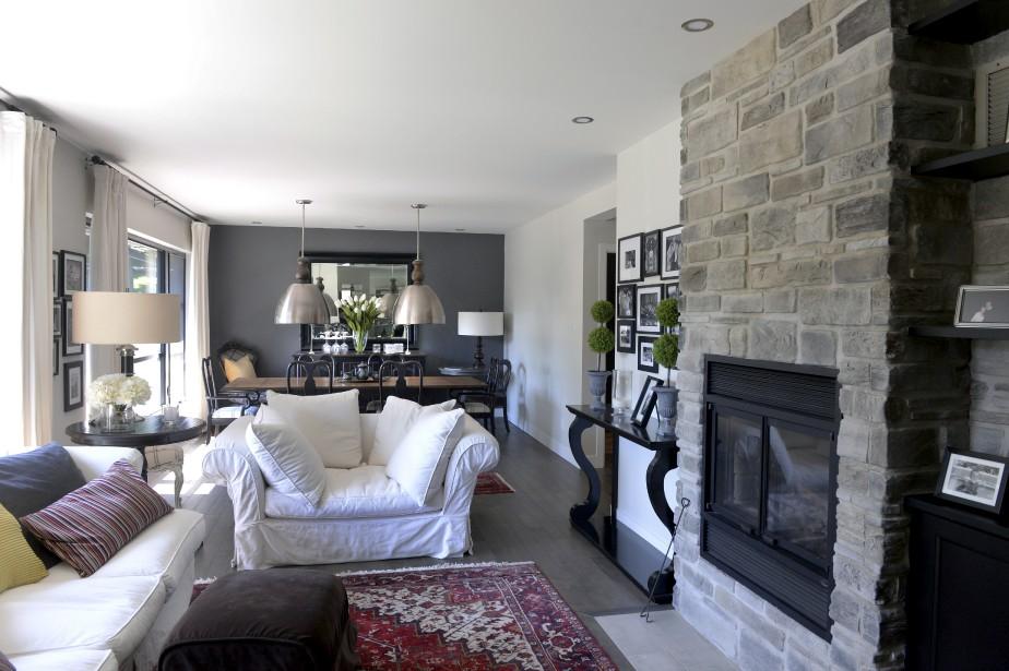 Les carpettes luxueuses, les nombreuses sources d'éclairage et les canapés Montauk donne un look chic à la résidence. (Le Soleil, Jean-Marie Villeneuve)