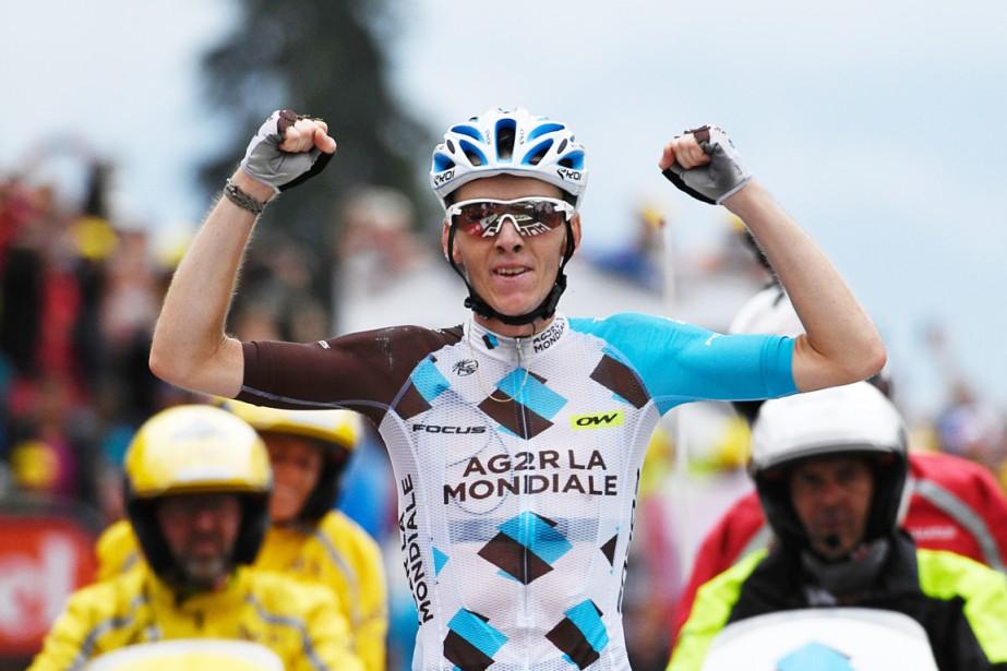 Romain Bardet a remporté la 19e étape, vendredi,... (AFP)