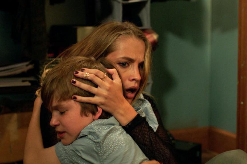 Gabriel Bateman et Teresa Palmer dans le film... (Photofournie parWarner Bros.)