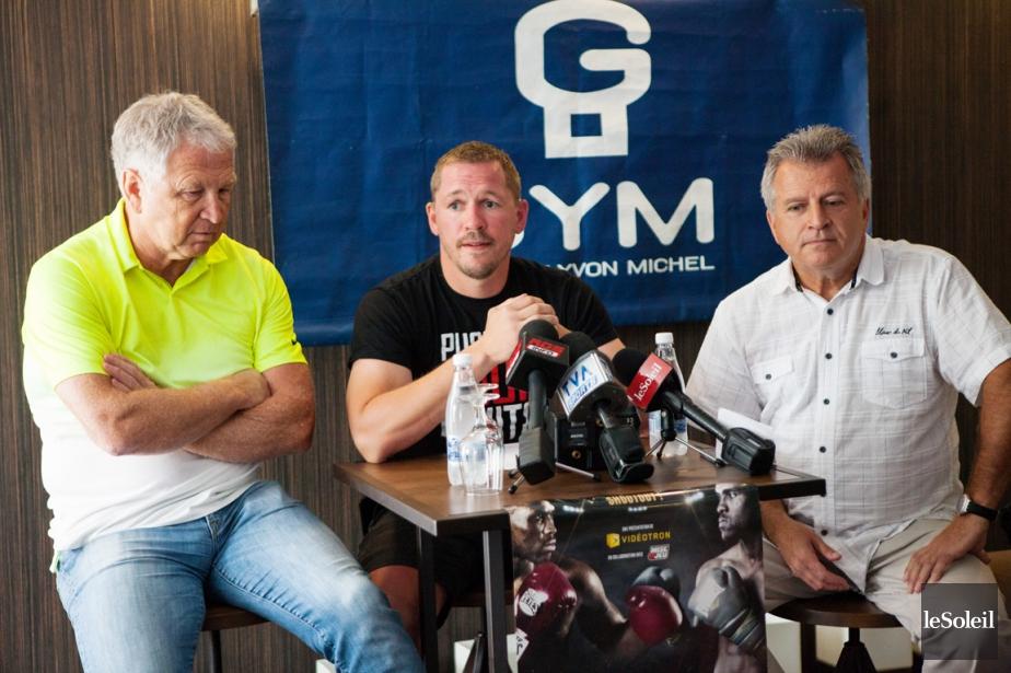 Kevin Bizier (au centre) a officialisé sa retraite... (Photo Caroline Gregoire, Le Soleil)